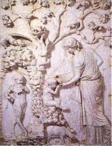 """Hoorn des Overvloeds Reliëf """"Amalthea voedt de kleine Zeus."""" 130 NC, Vaticaanse Musea"""